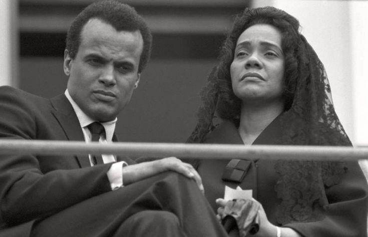 Max Scheler  Coretta King und Harry Belafonte auf der Trauerfeier für Martin Luther King, Atlanta, USA
