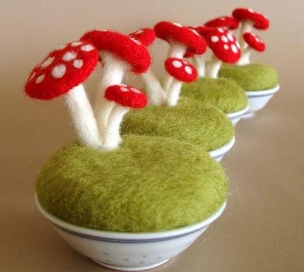 Mushroom fairy garden: needle felted little mini garden