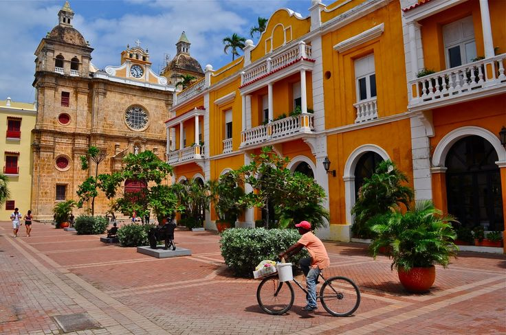 Cartagena de Indias: the beautiful historical center  #centrocatalina #colonialhouse