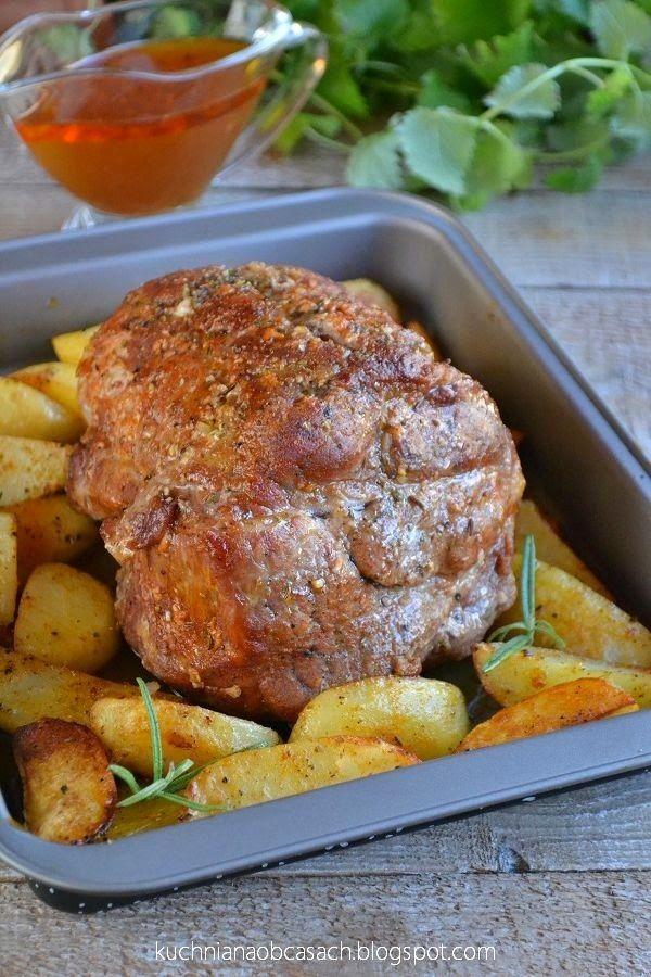 Pieczeń z karkówki z pieczonymi ziemniakami