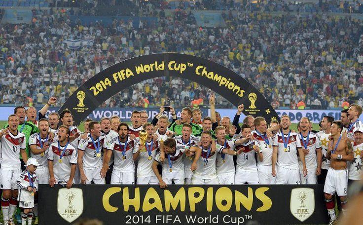 Deutschland wird am 13.Juli 2014 zum 4.Mal Fußball Weltmeister und verdient sich den 4.Stern auf dem DFB Trikot. (Foto AFP)