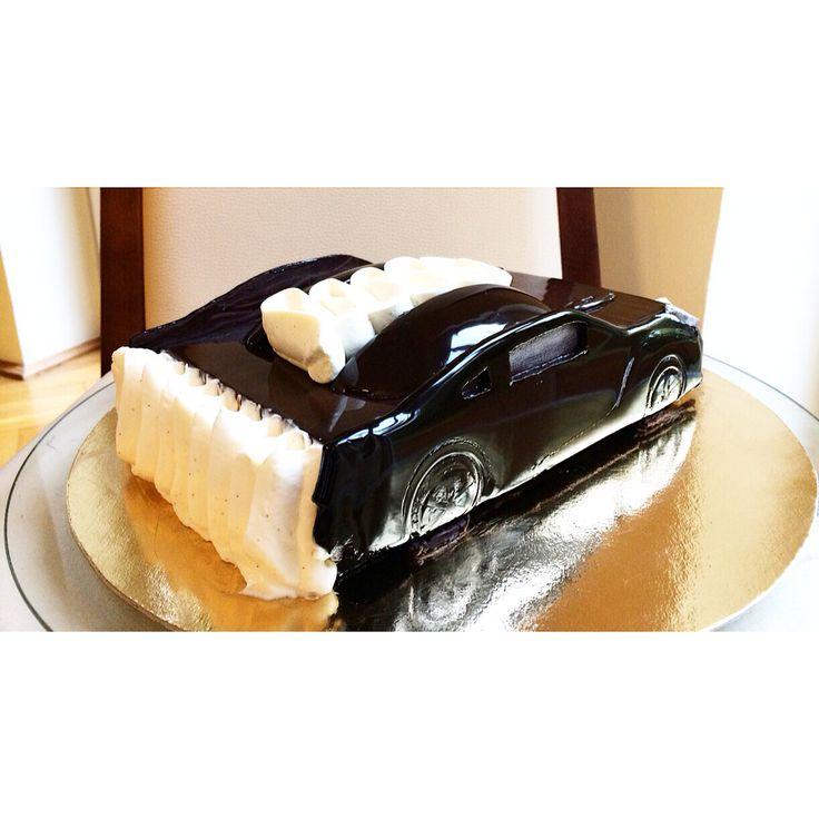 Car Nissan GTR chocolate cake. Handmade chocolate decoration, by Anna Tsoy Chocolatiera, www.annatsoy.com