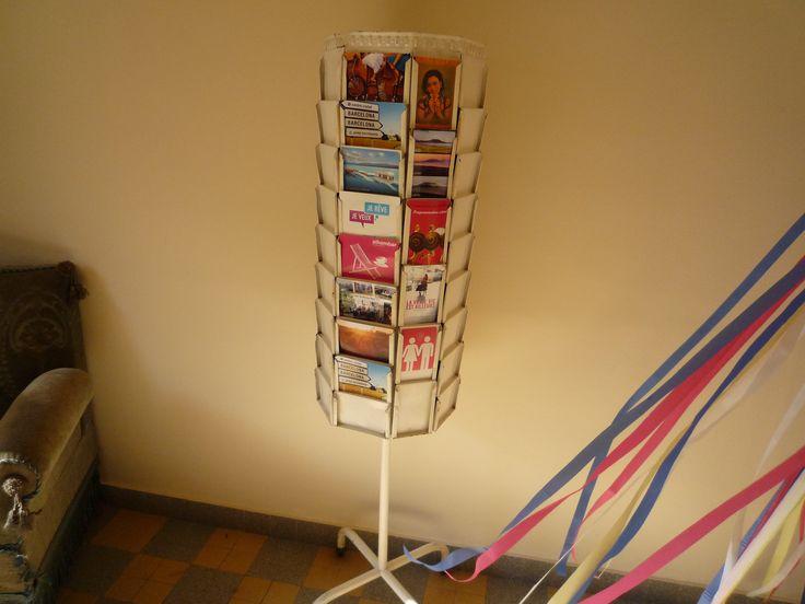 pr sentoir tourniquet porte cartes postales mobilier pinterest. Black Bedroom Furniture Sets. Home Design Ideas