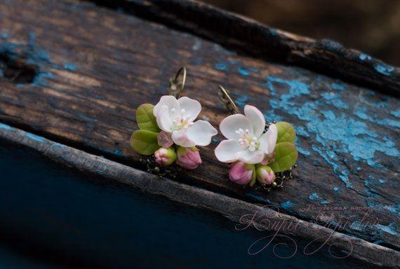 Серьги с цветами яблони. earrings with flowers от kirianahandmade