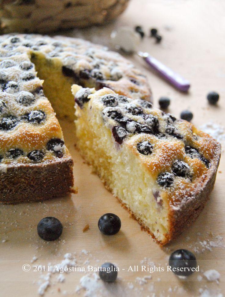 Facciamo colazione Torta di ricotta e mirtilli   http://www.mypaneburroemarmellata.com/2011/05/facciamo-colazione-torta-di-ricotta-e.html