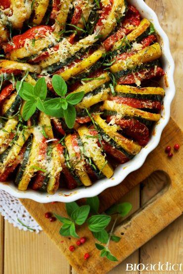 Recette pour réaliser un Tian provençal bio : voici un plat de saison léger, gourmand, plein de soleil et de vitamines à déguster en famille et avec des amis tout l'été ! Et en plus, c'est une recette très simple à réaliser pour pas cher ! Régalez-vous !