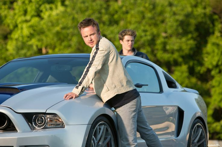 tobey aaron paul und pete harrison gilbertson mit dem ford mustang shelby need for speed. Black Bedroom Furniture Sets. Home Design Ideas