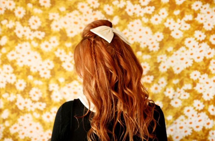 "The Perfect ""Holiday Hair"" TutorialHair Colors, Holiday Hair, Hair Tutorials, Red Hair, Casual Hairstyles, Hair Bows, Hair Style, Hairstyles Ideas, Cute Hairstyles"