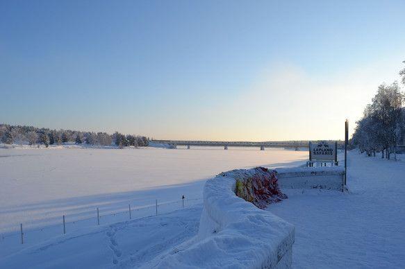 北欧 フィンランド ロヴァニエミで撮影した写真です。氷点下30℃前後の気温が続く冬のフィンランド。 プリントサイズ:六つ切り(203mm×254m... ハンドメイド、手作り、手仕事品の通販・販売・購入ならCreema。