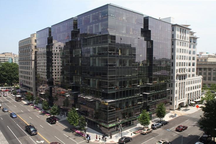 Kevin Roche John Dinkeloo & Associates designed the Lafayette Tower office building in Washington
