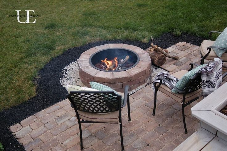 Diy paver patio and fire pit decks backyards and middle for Porch fire pit ideas