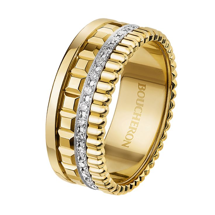 Quatre Radiant Edition small ring Ring set with pavé diamonds, in yellow gold