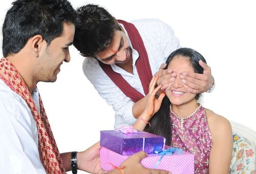 Happy #Rakshabandhan. Enthusiasm and excitement for this festival starts much in advance. Bright, elegant and fanciful rakhis adorn the markets from the month of July. Shopping for Rakshabandhan starts amidst zest and zeal. New clothes, sweets, gifts, rakhi and other pooja essentials are the main shopping features for the special day.