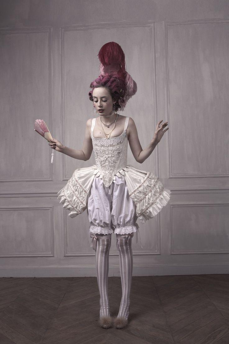 Et dire qu'il fut un temps où les femmes ont vraiment porté des trucs comme ça! // Pandora » L'Anti-Justine, ou les Délices du Boudoir. #rococco return
