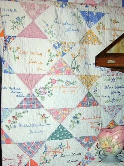 21 best images about quilts - signature on Pinterest Friendship, Quilting patterns and Quilt