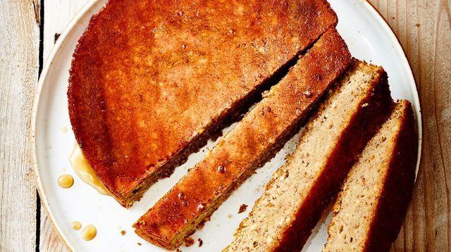 Gâteau à la noisette sans sucre de Philippe Conticini.