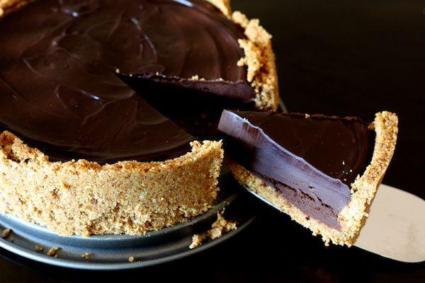 tarte au chocolat . tres facile à faire !