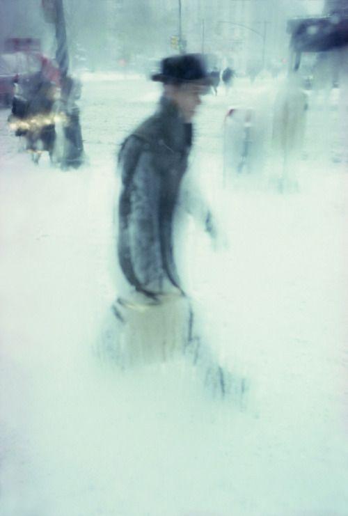 Jess - F - British - I make Photographs - Space for fluid exploration of life…