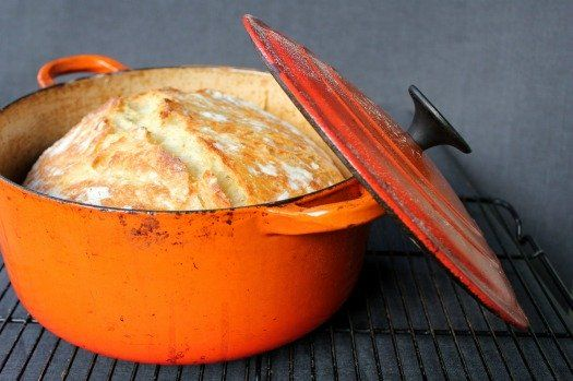 Maak+zelf+het+heerlijkste+verse+brood+zonder+te+kneden+voor+minder+dan+een+euro!