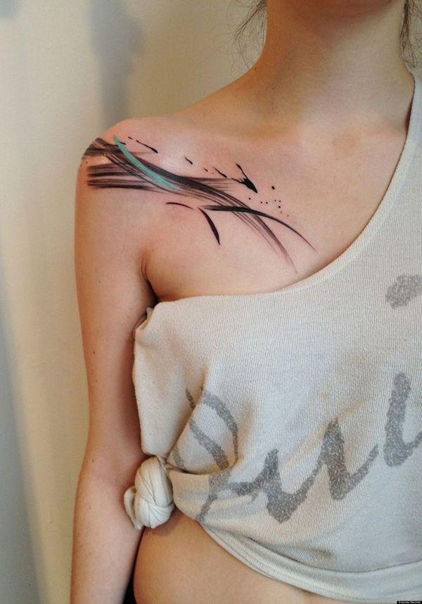 Оригинальные женские татуировки на ключице