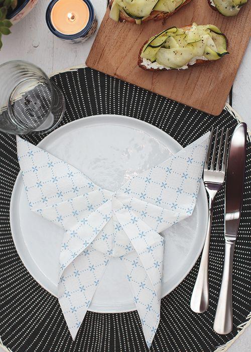 59 best servietten falten falttechniken und deko tipps. Black Bedroom Furniture Sets. Home Design Ideas
