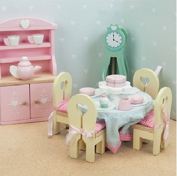 Now your little ones doll house can have all the latest in dollhouse interiors with these gorgeous furniture sets from Le Toy Van. The Daisy Lane painted wooden furniture set including a dresser, grandfather clock, dining table and four chairs with tie-back cushions. Includes all accessories as pictured. Suitable for ages 3+ Le Toy Van …