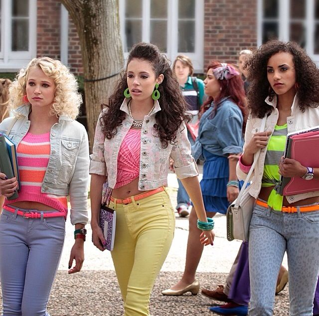 80's fashion #thecarriediaries ❤️