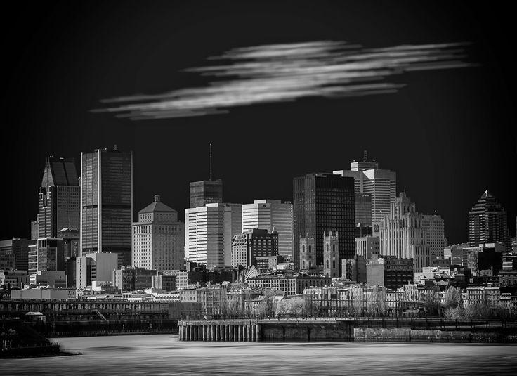 Centre-ville de Montréal. Discover the story behind the image, visit my website www.jeanpierredagenais.com
