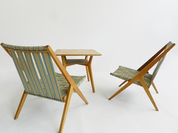 Mit Stoff bespannte Stühle und Tischchen Eiche