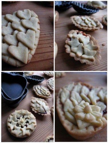 Ieri sera, armata di santa pazienza, ho deciso di sperimentare qualche decorazione per le crostate e allora ho realizzato queste ispirata da quelle viste n