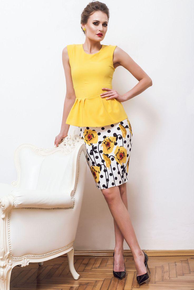 PrettyGirl Intense Feeling Yellow Top Shirt, padded shoulders, back zipper fastening, sleeveless, slightly elastic fabric, flexible thin fabric/cloth