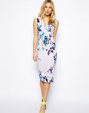 Model doesn 39 t know how to keep mouth closed but i have for Floral dresses for wedding guests