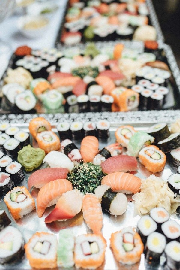 Sushi platters for an elegant entree | Image by Kreativ Wedding