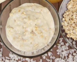 Crème de soin pour le visage à l'avoine et amande douce spécial peaux sèches : http://www.fourchette-et-bikini.fr/recettes/recettes-minceur/creme-de-soin-pour-le-visage-lavoine-et-amande-douce-special-peaux-seches