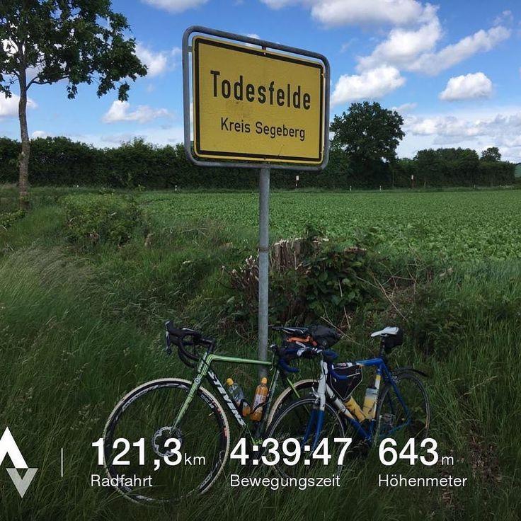 Kleine Ausfahrt mit Falko von @mylovelycycling zum Kalkberg in Bad Segeberg und zurück  Hat Spaß gemacht  aber es war eine Strecke die mich gefordert hat  Nun bin ich tot  . . #renneselde #strava #bikeportrait #fahrradtour #fahrrad #bike #stevensbikes #freeriding #cycling #freundschaft #elbe #sport #rad #bicycles #rennradliebe #cyclist #thisiscycling #nofilter #Hamburg #cyclassics #shimano #girocycling #hamburgmeineperle #hh #alster #hafenliebe #hafencityhamburg #sun #bicycle_feature…