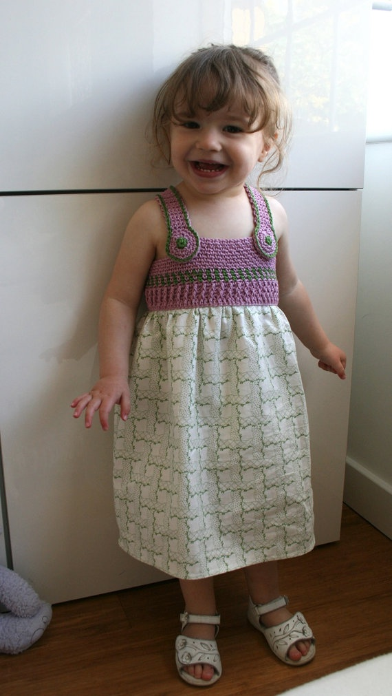 Another great Crochet/ Fabric dress!