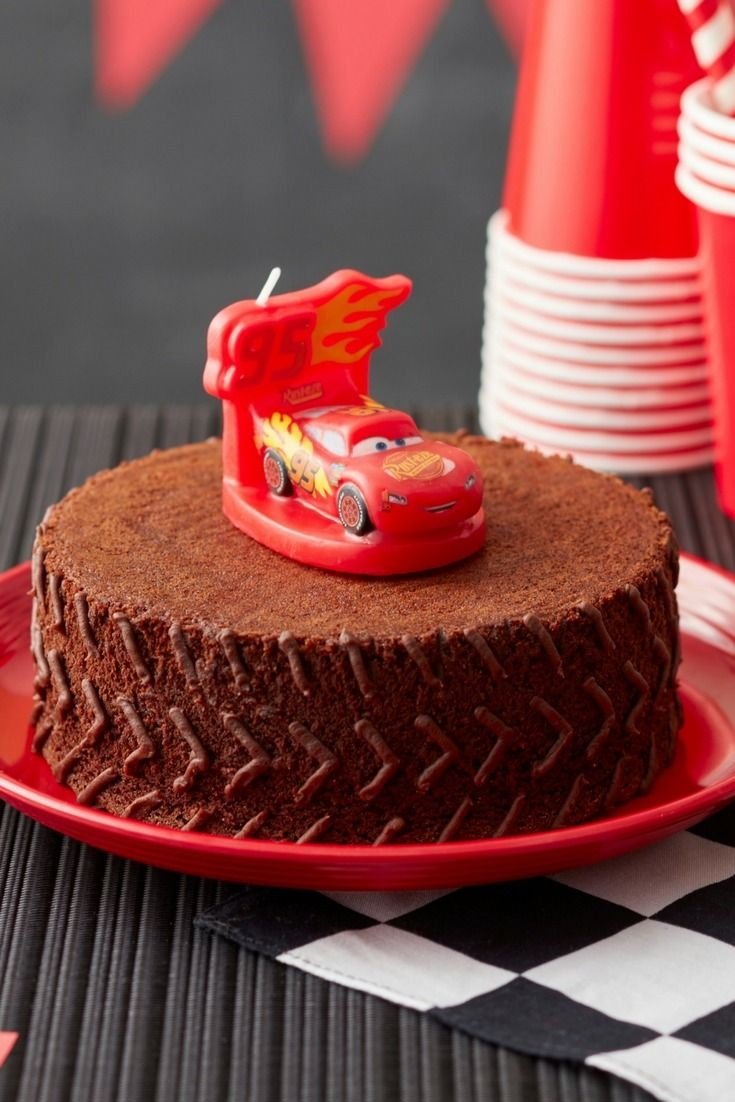 If your rookie racer is celebrating a Cars 3-themed birthday this year, this Cars 3 Brownie Cake is sure to be a crowd-pleaser. Decorated to look like a racing tire, this chocolate brownie birthday cake is also topped with a fun Lightning McQueen candle that racers of all ages will love. A simple cake to make and decorate, this brownie cake is easy and fun!