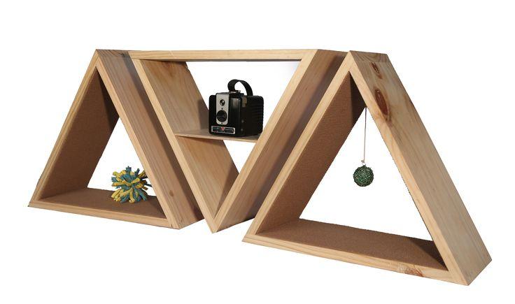 El diseño de nuestros productos complementan tu hogar y estas repisas a parte de decorar ayudan a tu MIAU a desestresarse ya sea jugando o afilando sus garritas. Tamaño: 40x40x40  Profundidad: 20cms