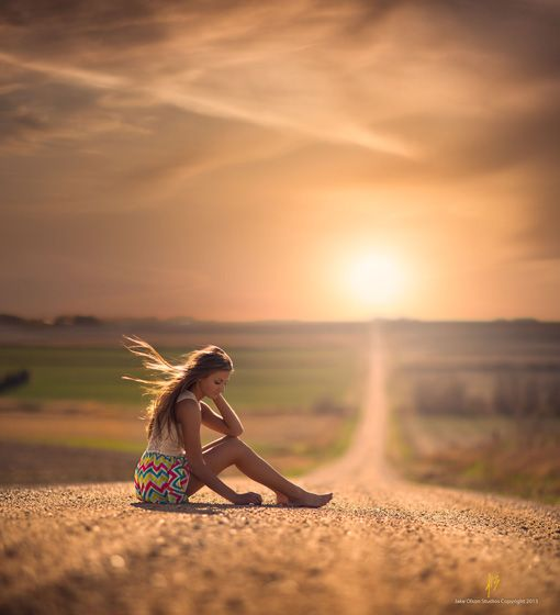 Tips on The Canon 85mm 1.2 and Shallow Depth of Field from Jake Olson - Beautiful Portraits // Belovely You