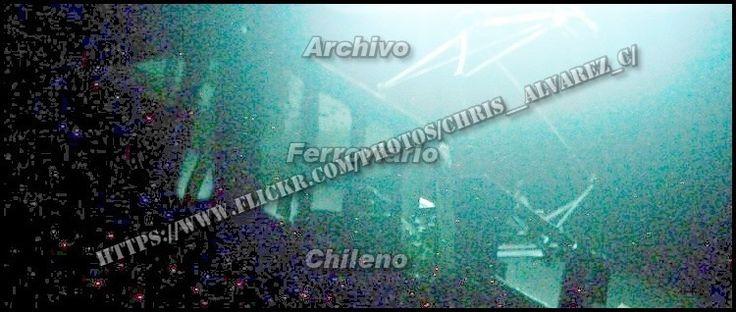 https://flic.kr/p/qsLYsS | Pantograph arcing...! |   B-B GE road switcher Electric Center-Cab  70 Ton class 24,  Chilean Railways in action under the wire  Sorpresivo, mágico,   no muy agradablemente  aromático,  estrepitoso, encantador....pero a la vez  destructivo y letal arco voltaico, fenómeno ferroviario habitual sobre todo en ambientes cargados de humedad y cuando  las planchuelas de los pantógrafos** o el propio trole ( trolley - catenaria ), sufrían desperfectos por desgaste…