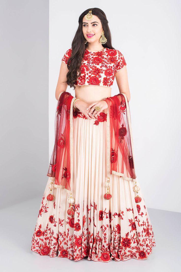 KANIKA CHAWLA red floral lehenga #Flyrobe #Bride #Wedding #Lehenga #IndianWedding #designer #designerlehenga #lehengacholi