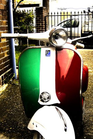 Vespa with Italian flag!