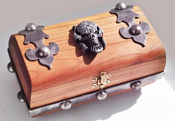 Warcraft box,King gift box Ring box Wood box Wood carving Wedding ring storage Wood carving Jewellery box Jewelry box wood wedding ring box
