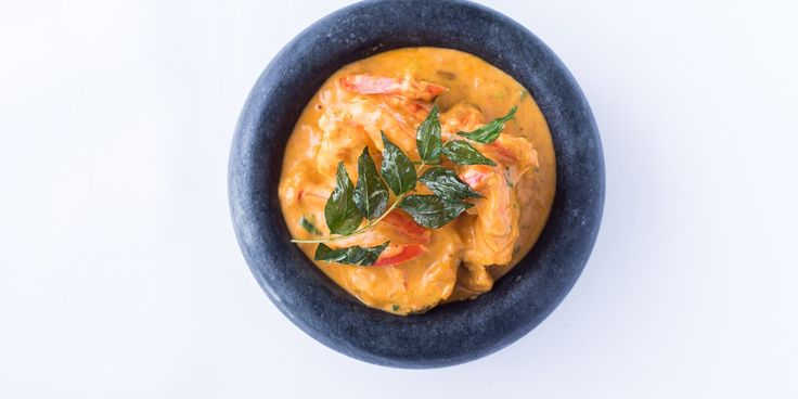 A fantastic Malabar prawn curry recipe from Peter Joseph, with juicy prawns simmered in a vibrant coconut curry sauce. Enjoy with bread or steamed rice for a delicious south Indian feast.