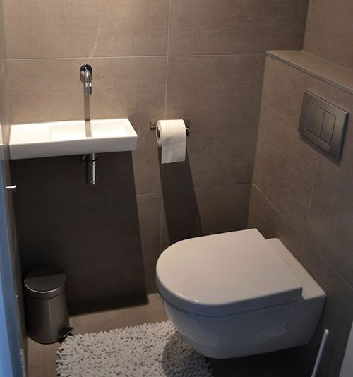 1000 idee n over wc decoratie op pinterest toiletruimte doucheruimte decor en badkamer - Wc opgehangen decoratie ...