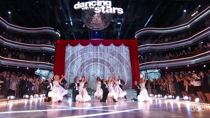 Dancing with the Stars sees 2 eliminations on movie night