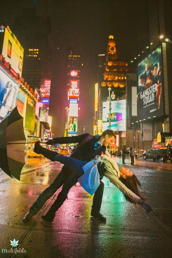 nyc engagement pictures. this couple is too freaking cute!!