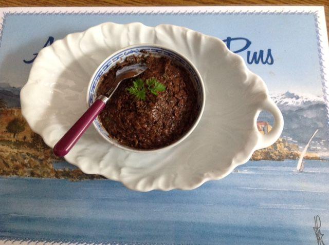 Découvrez les recettes Cooking Chef et partagez vos astuces et idées avec le Club pour profiter de vos avantages. http://www.cooking-chef.fr/espace-recettes/aperitif-dinatoire/anchoiade-maison