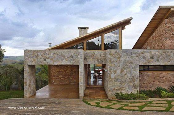 Stone and brick house - Moderna vivienda familiar en un terreno de montaña, hecha de ladrillos y piedra con diseño contemporáneo: