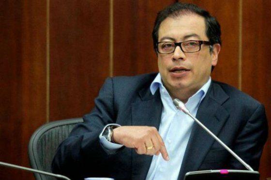Petro plantea que guerrilleros desmovilizados hagan parte del Ejército